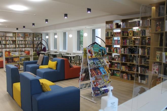 На Троєщині відкрили сучасний бібліохаб. Кличко каже, що це найкращий бібліотечний простір у столиці