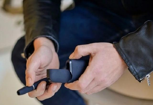 Ні справжньої, ні електронної, ні поштучно. Продаж електронних сигарет дітям до 18 років заборонили