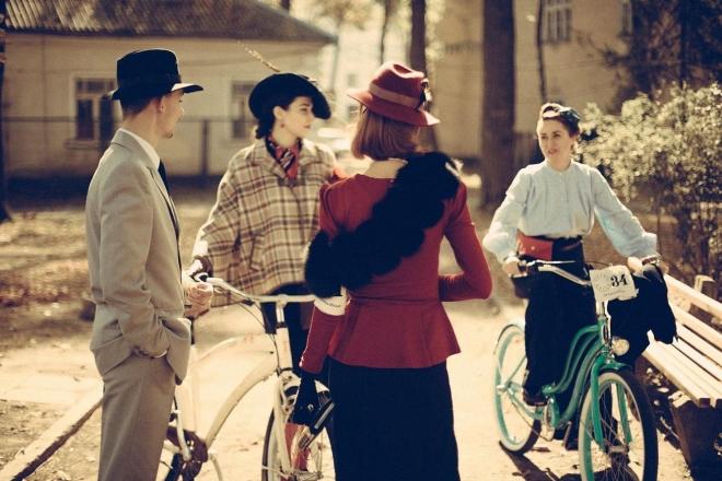 Найстильніша подія осені: люди з минулого проїдуть Києвом на велосипедах