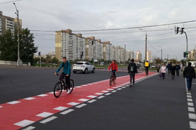 На вулиці Цвєтаєвої поновили велосипедні переїзди (ФОТО)
