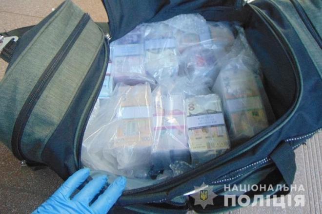 Київські поліцейські викрили шахрайську схему з обміну валют