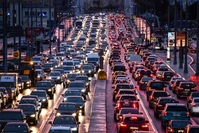 Як змінювався трафік на ключових дорогах столиці (АНАЛІЗ)