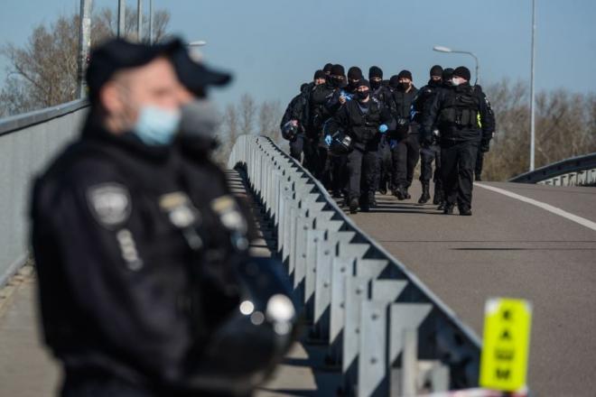 Кабмін утвердив передачу коштів з COVID-фонду поліцейським
