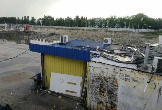 Зупинити будівництво ТРЦ біля станції метро «Лісова» – петиція