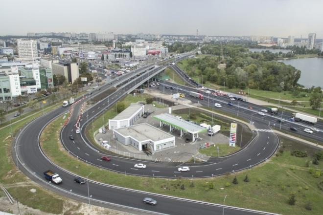 Поїхали! Рух оновленими шляхопроводами на Богатирській відкрито (ФОТО)