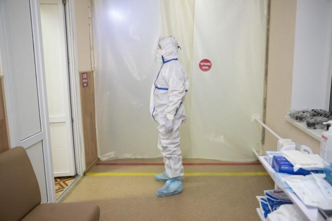 У Києві за добу виявили 301 хворого на коронавірус. Лідер – Дарницький район