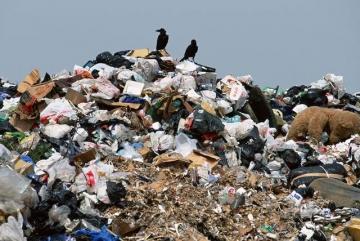 Комунальники створили незаконне сміттєзвалище у Макарівському районі