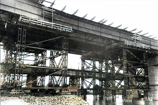 Міст Метро — Русанісвький метроміст — Міст ім. Є. Патона — відкриття мостів — мости Києва