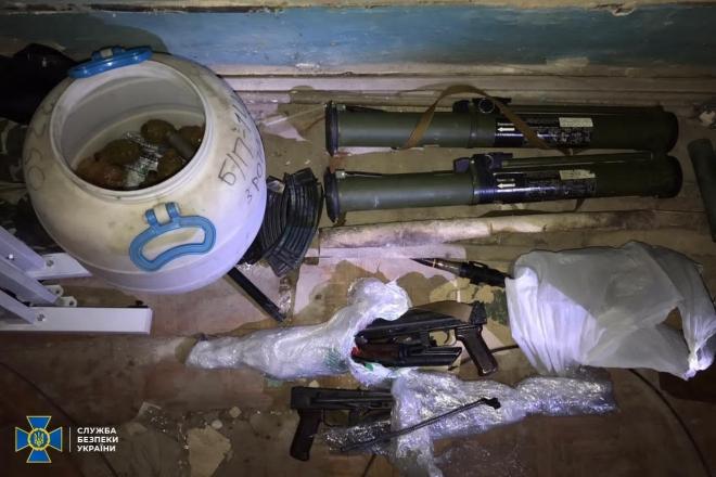 Зброя, боєприпаси, вибухівка – такий арсенал знайшли у Нацакадемії аграрних наук
