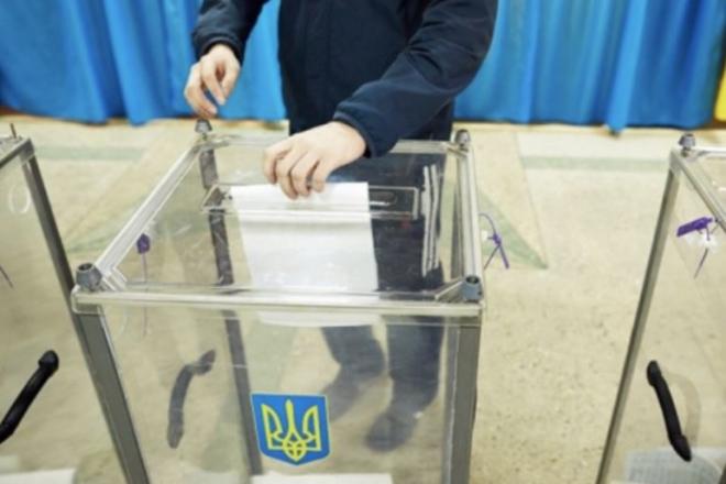 """Кандидат від """"Євросолідарності"""" впевнено переміг в Українці"""