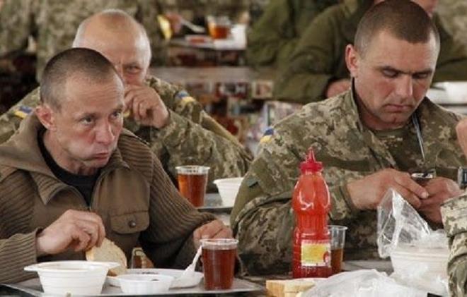 Міноборони повертає стару систему харчування для військових