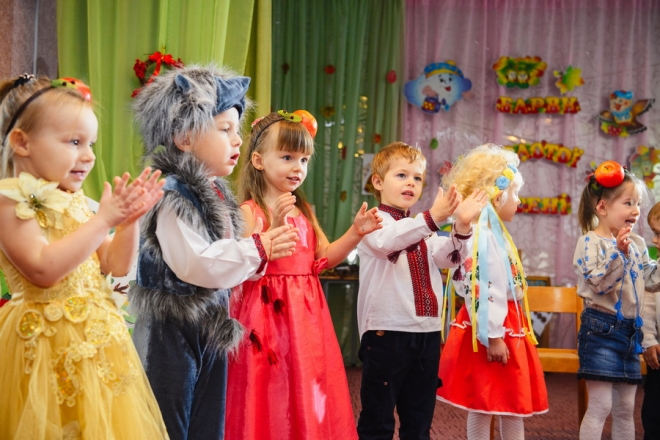 Віршики дарма вчили? Новорічні свята у дитсадках просять не проводити