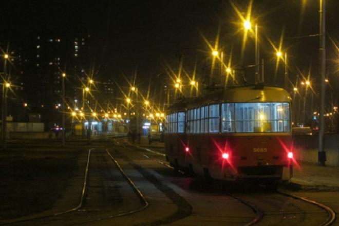 Нічний ремонт. Столичні трамваї скорочують роботу