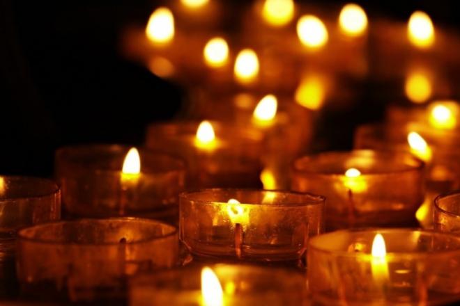 """""""Запали свічку пам'яті"""": ініціатори акції просять киян дотримуватися соціальної дистанції під час вшанувань"""