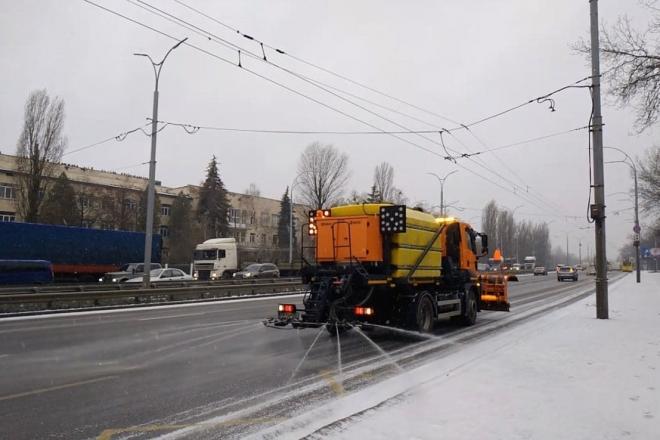 Як чистять від снігу дороги Києва – можна перевірити онлайн
