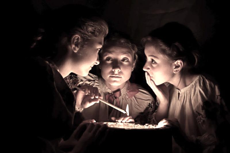Дореволюційний Київ — журфікси у Булгакових — Різдвяні традиції — Новорічні традиції — День Андрія — Варварин день — зірка на ялинці — новорічна зірка — День Свтого Миколая