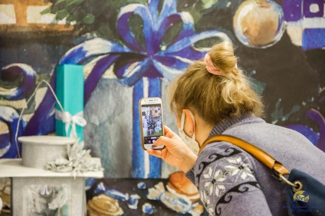 Три поверхи святкового настрою. У Києві відкрилась унікальна виставка ялинкових прикрас