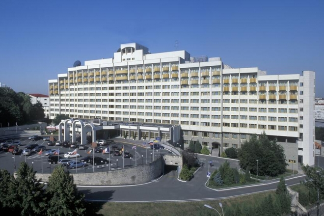 «Президент-готель» планують виставити на продаж