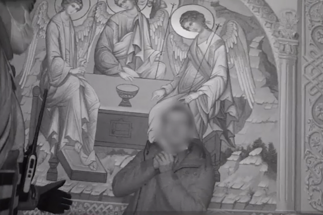 У Києві чоловік увірвався до церкви й погрожував скоїти самогубство (ВІДЕО)