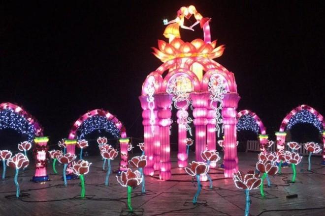 Фестиваль гігантських ліхтарів повертається на Співоче поле – дата і програма