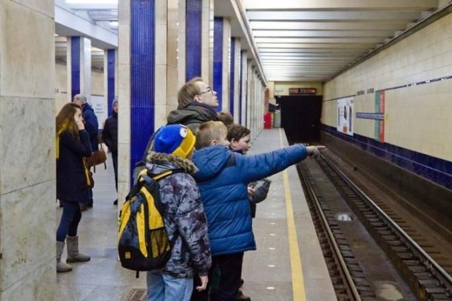 Дістатись до школи без нервів: правила безкоштовного проїзду у транспорті