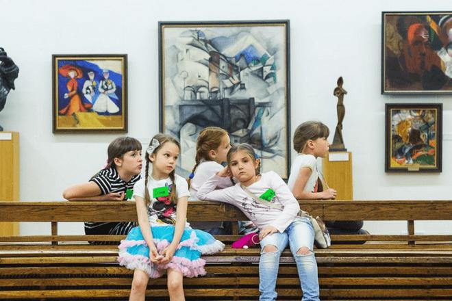 В Національному художньому музеї пройде виставка раритетних брошок