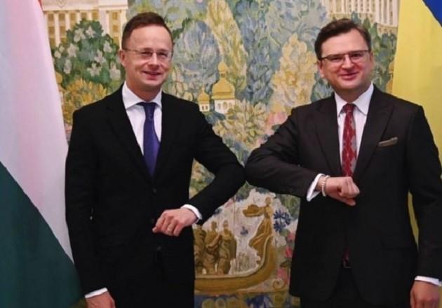 До Києва їде міністр закордонних справ Угорщини – про що говоритимуть