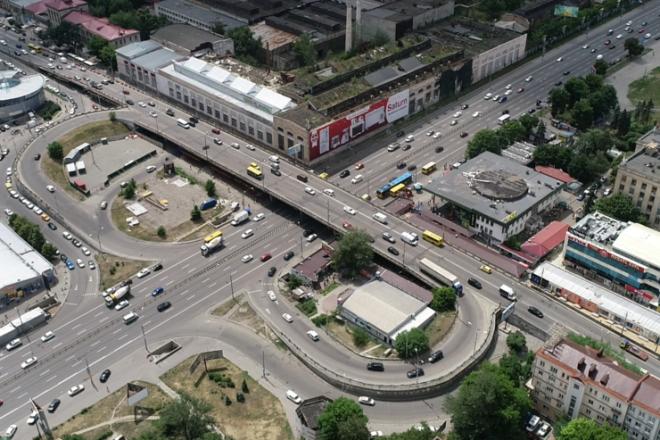 Стовпопад на Шулявці: коли власники потрощених автівок отримають компенсації
