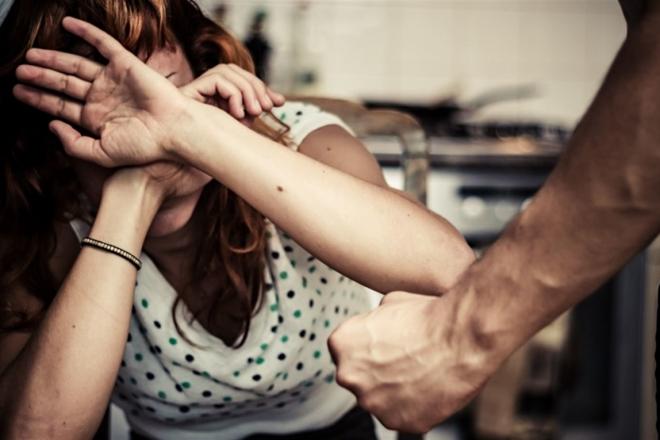 Домашнє насильство на свята: зафіксовано понад 700 звернень