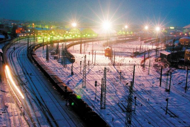 Як вплинули снігопади на рух поїздів та роботу аеропортів