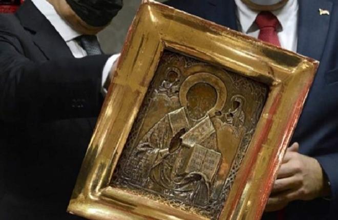 Ікону з окупованого Луганська, що потрапила до російського міністра, повернуть. За однієї умови