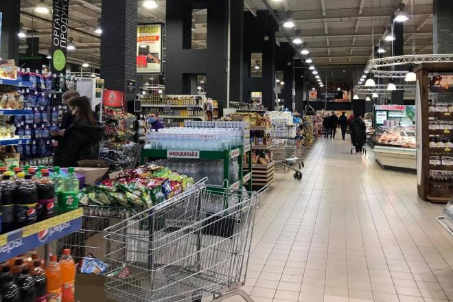 Зимовий локдаун: супермаркети можуть не закривати окремі відділи