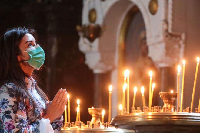 Як дотримуються карантину центральні святині Києва на Святвечір