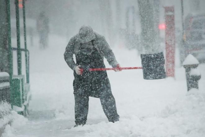 Сніг не тільки для комунальників. Скільки приписів отримали підприємці за неприбрану ділянку