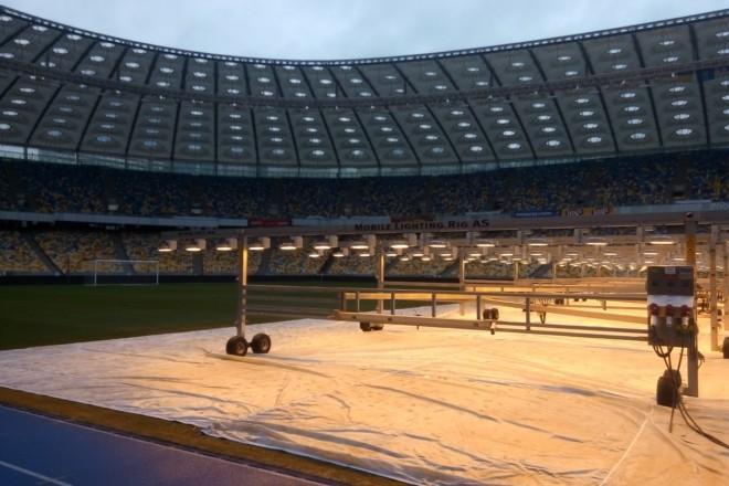 """НСК """"Олімпійський"""" запевняє, що газон стадіону готовий до матчу """"Динамо"""" проти """"Брюгге"""""""