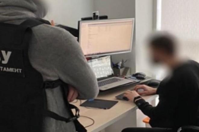 """У Києві викрили хакерів, які """"кошмарили"""" компанії в ЄС і США"""