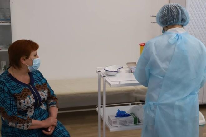 Скільки українців вже зробили щеплення від коронавірусу
