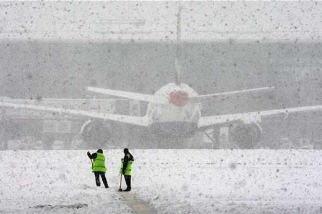 Авіарейси з України до Амстердаму та Дортмунду скасували через снігопади