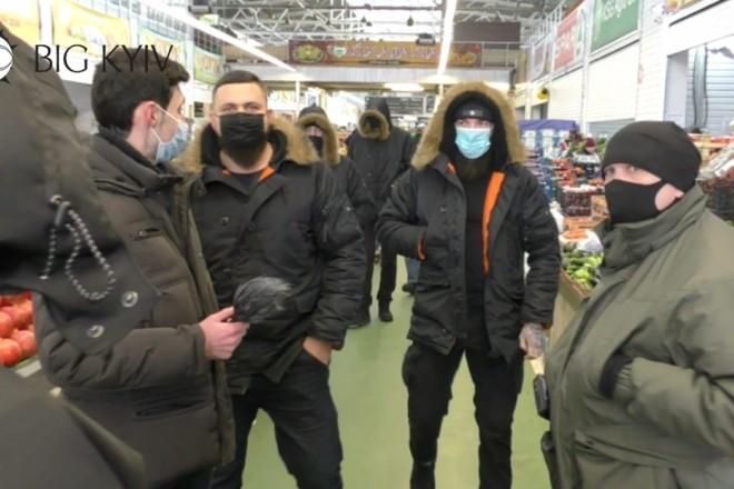 На журналіста «Великого Києва» було скоєно напад на Столичному ринку (ФОТО,ВІДЕО)