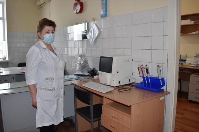 Три лікарні в Оболонському районі отримали нове обладнання – фото