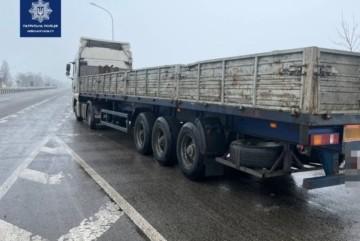 """Бориспільські патрульні виявили водія величезної вантажівки під """"наркотою"""""""