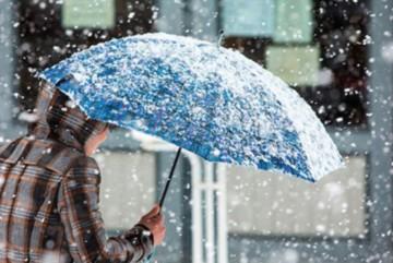 Потепління на паузу: сьогодні Київ накриє дощем і снігом