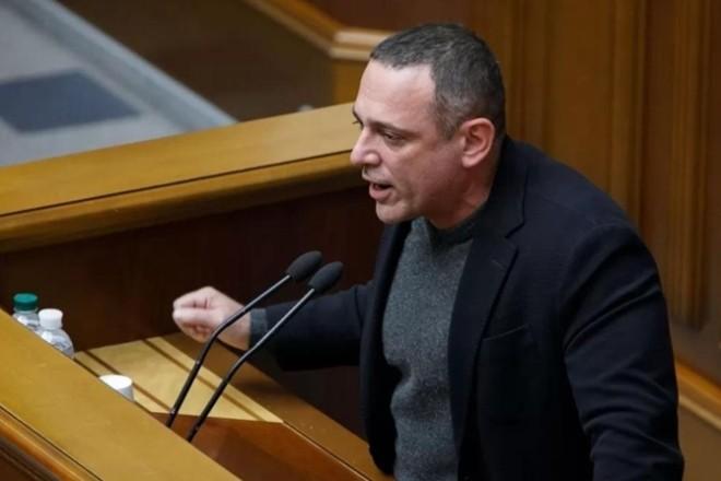 """""""Слуга"""" Бужанський, який у ВР назвав Революцію Гідності держпереворотом має бути відсторонений на 5 засідань – Геращенко"""