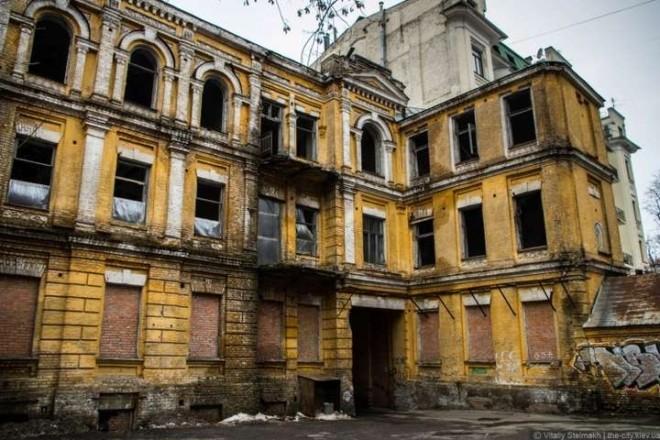 Реставрувати будинок Сікорського вимагають через суд
