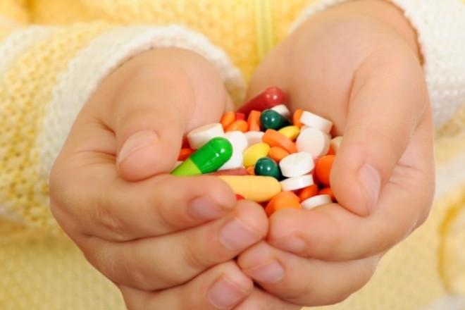 Які домашні речі є небезпечними для маленьких киян — розповів лікар Комаровський