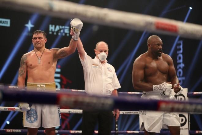 Боксер Усик пообіцяв бій в Києві