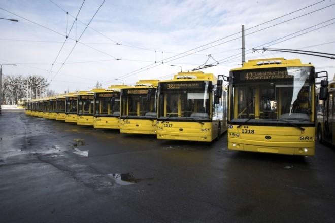 Добирайся з комфортом: На маршрути виходять ще 15 сучасних тролейбусів (ФОТО)