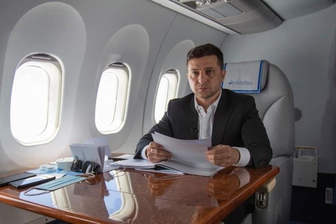 Цифра дня. Скільки заплатили українці за перельоти Зеленського у 2020 році