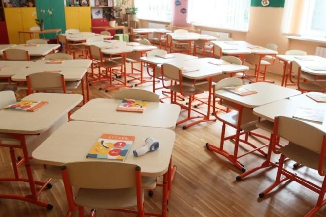 У Києві через негоду зачиняють школи та садочки