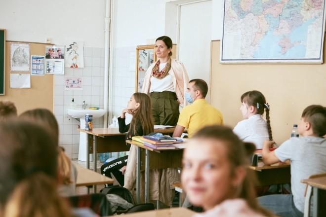 Встигнути щепити 80% персоналу. На Київщині вчителів будуть вакцинувати прямо у школах